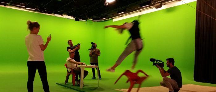 Deze ratchetstunt voerden wij uit voor Veronica Televisie.Een ratchetstunt op een set doe je wanneer je op beeld de indruk wil wekken dat je lichaam door een bepaalde impact wordt geraakt.