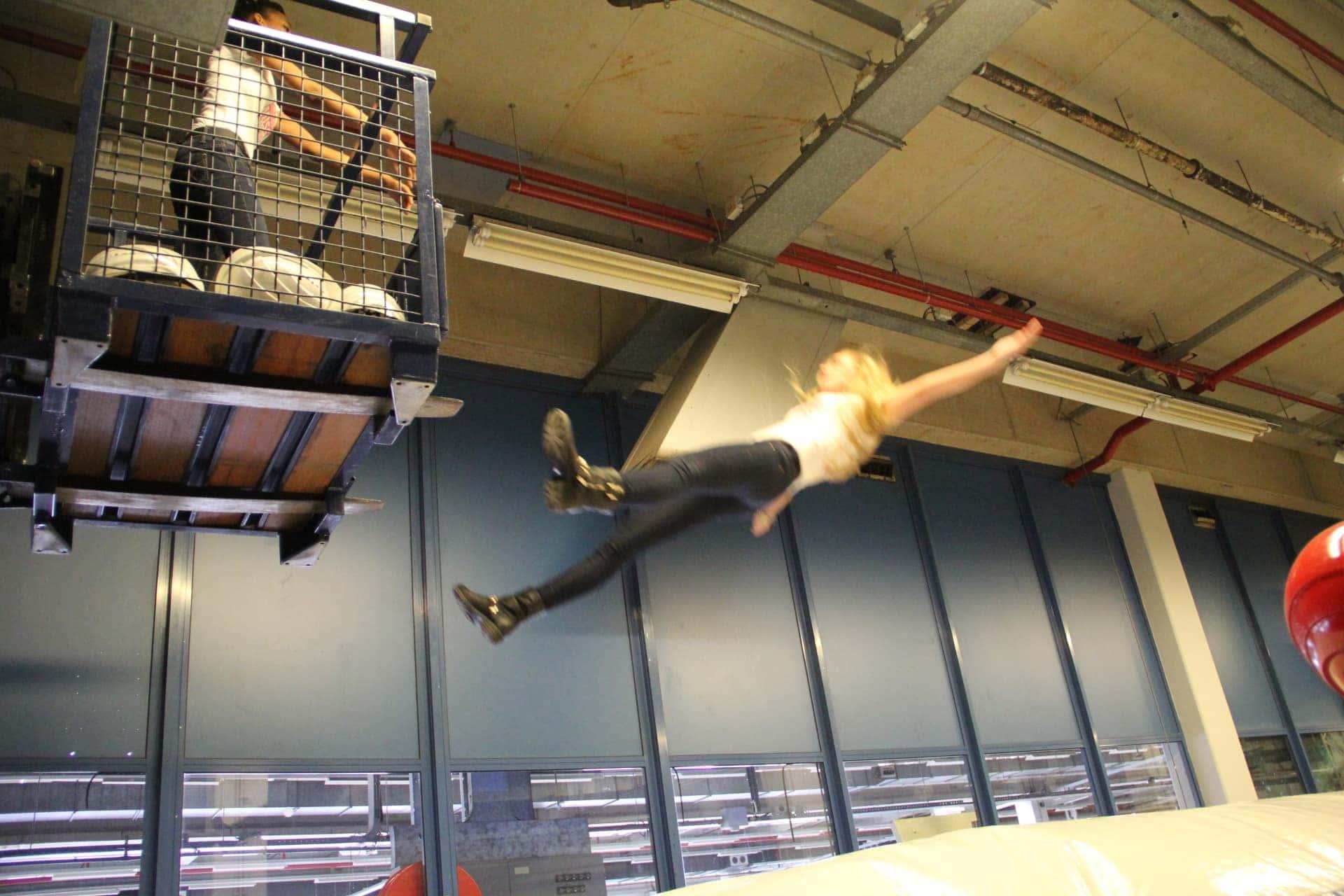 Airbag huren kan ook bij ons stuntteam. Als stuntman of stuntvrouw kun je dan veilig landen.